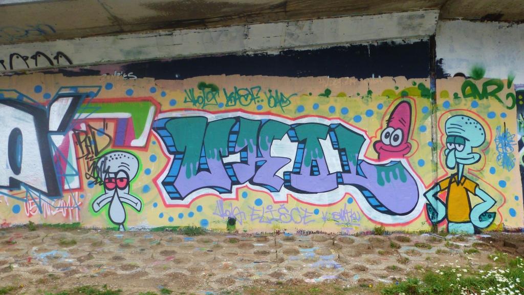 September and Graffiti in Prague 097