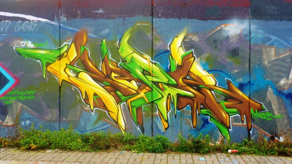 September and Graffiti in Prague 132