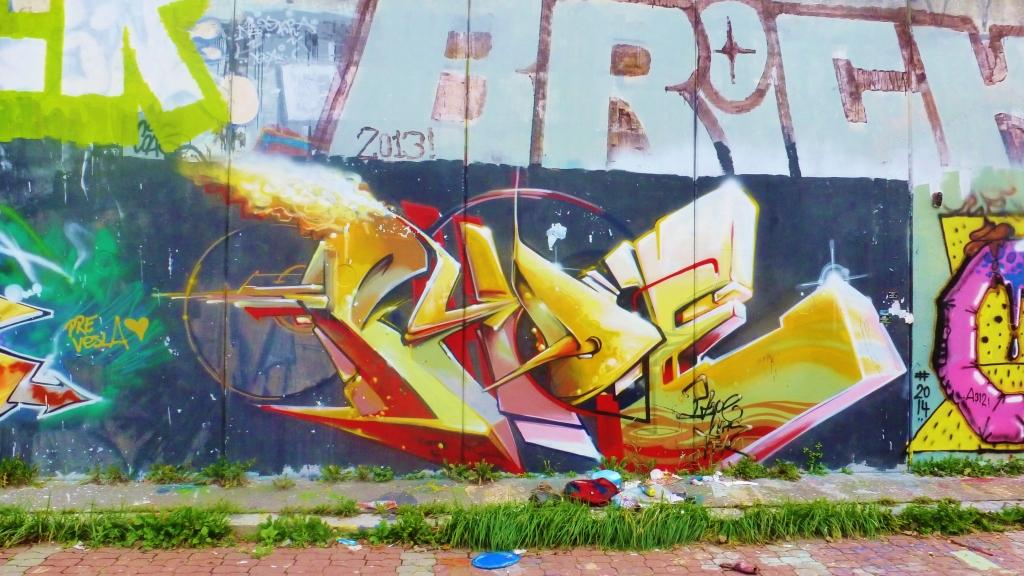 September and Graffiti in Prague 140