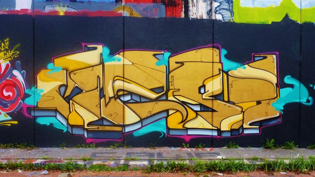 September and Graffiti in Prague 141